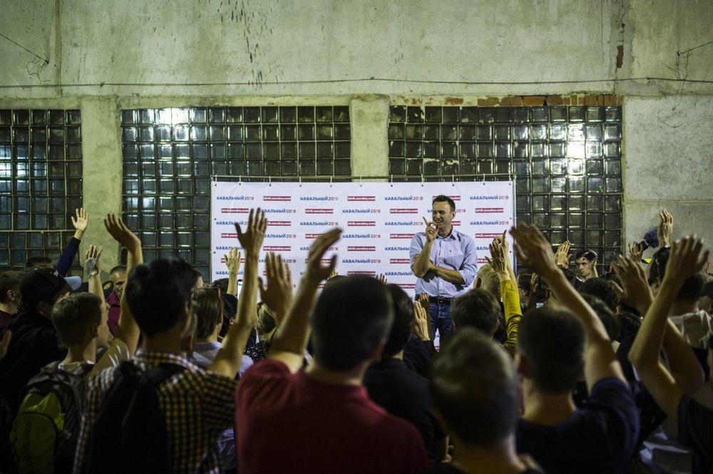 Навальный открыл штабы в Тамбове и Рязане-народу полно и это бесит власть