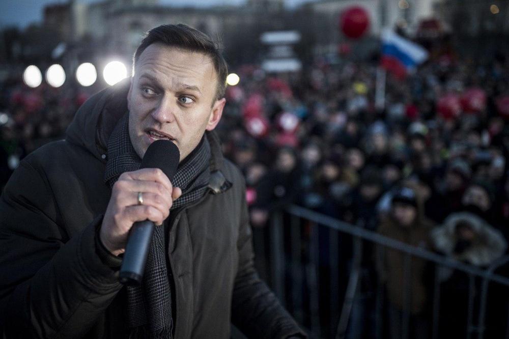 https://st.navalny.com/media/cache/8c/f4/8cf4f708a424815fc3e8fbfe4d7083aa.jpg