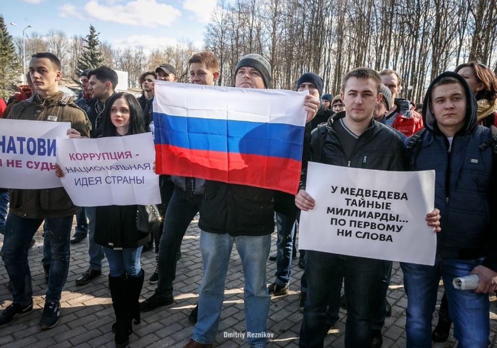 «Навальный считает своим учителем Гитлера». Первый креатив киндер-сюрприза  Владиленыча